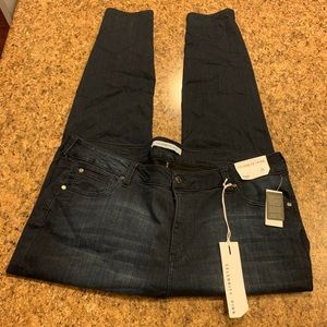 NWT Celebrity Pink Mid Rise Skinny Jeans 24
